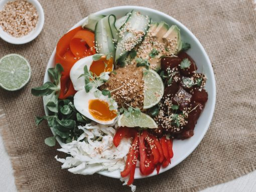 Sashimi tuna salad bowl
