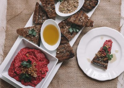 Spicy walnut and beetroot dip