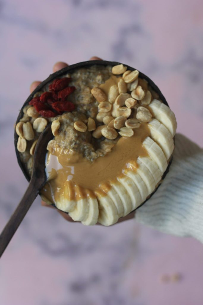 Caramel oats with peanut butter