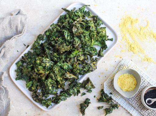 Cheezy Turmeric Kale Chips