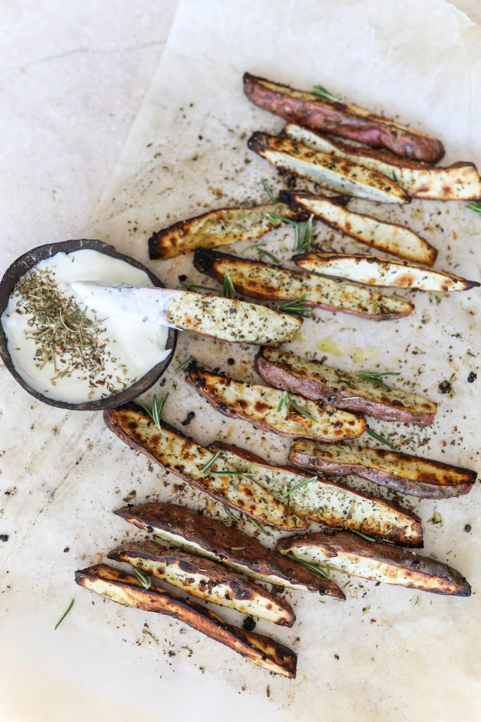 Crispy Garlic & Herb Potato Wedges